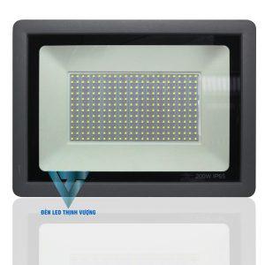 Đèn Led pha 200W chiếu sáng khuôn viên