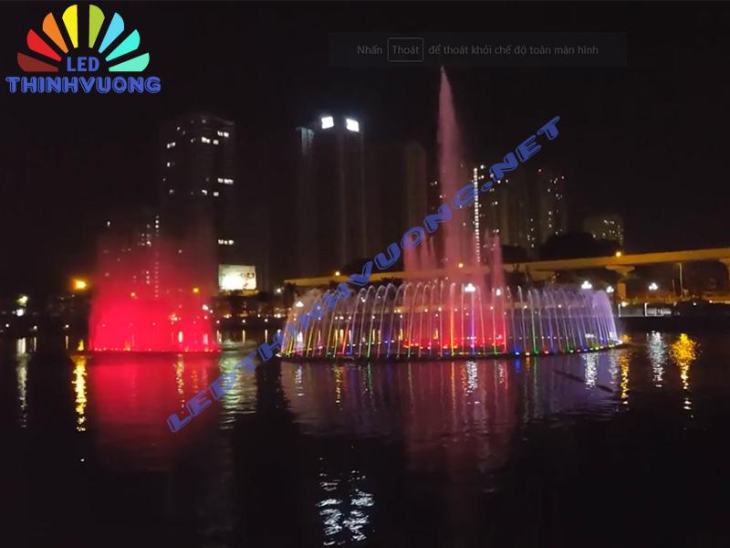 Lắp đặt đèn chiếu sáng dưới nước 2