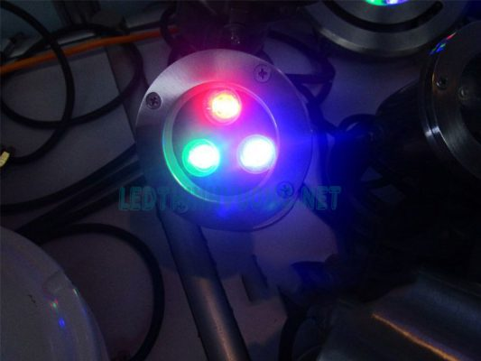 Đèn âm nước 2