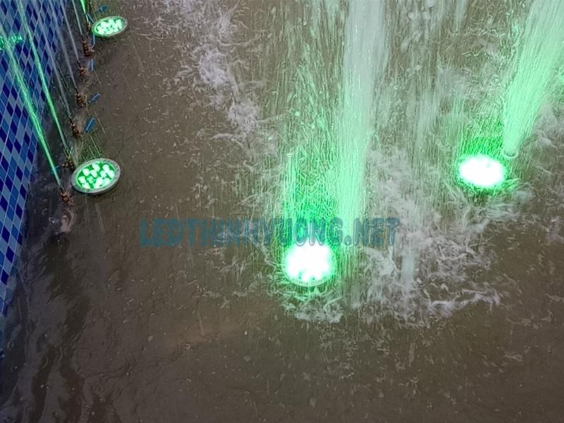 Báo giá đèn Led âm nước giá rẻ 2