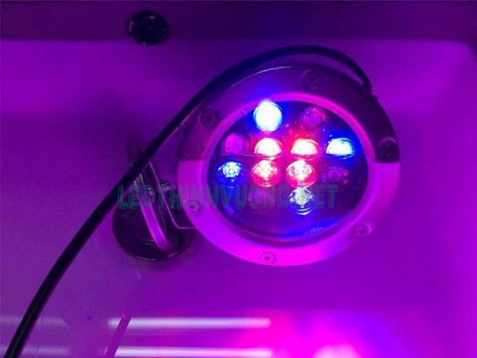 Đèn Led âm nước giá rẻ 10