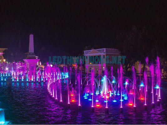 Đèn đổi màu dưới nước 3