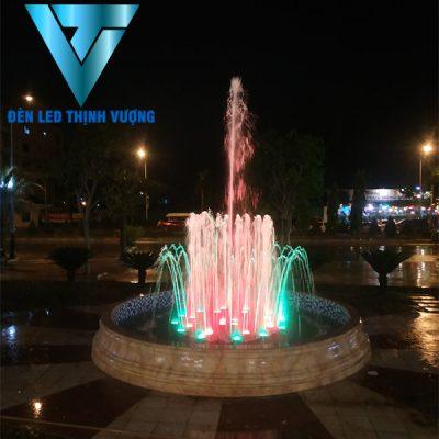 Đèn chiếu sáng đài phun nước 3